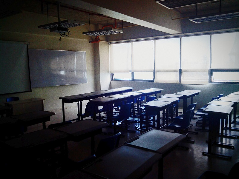 signs of mold in classroom